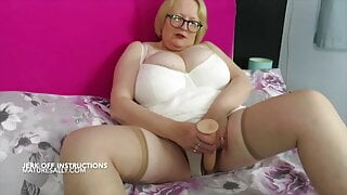 Jerk off with Sally