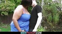 Slim guy screws huge black fattie