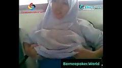 #borneo (www.indoporn.xyz) dari sekolah berlanjut kerumah