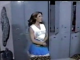 Nfl cheerleader fucking - Cheerleader fucking in changing room