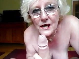 Perfect blowjob techniques - Granny making a perfect blowjob