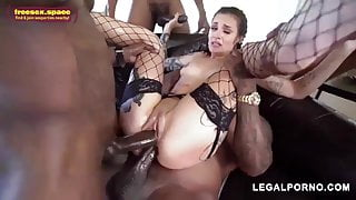 her spongy hole consumes a lot of dicks at the same time