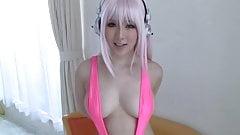 Super Sonico Japanese cosplayer