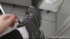 grazi feet