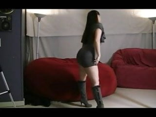 Sexy short prom dress Sexy pawg in a short dress shaking it al84