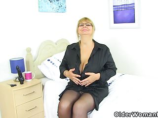 Fannies strippers English milf alexa fucks her matured fanny with a dildo