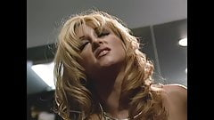 Hot! Jill Kelly feeding guy with creampie from her pussy!