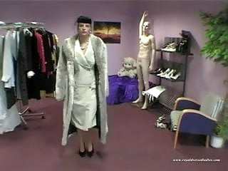 Outsize sexy dresses - Sexy styling lady fucked in full dress