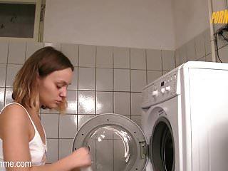 Piss on me porn - Pornme - geiler fick im waschraum