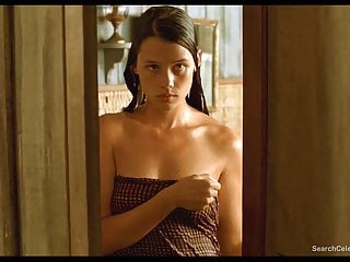 Teen wall letters Astrid berges-frisbey nude - the sea wall