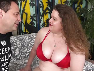 Chunky pussy pics - Chunky woman desi dae wet pussy takes big dick