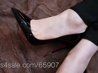 Cumshot on kate gosselin Louboutin so kate shoejob and shoeplay