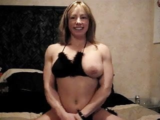 Pecs nude - Muscle chick pec bounce show