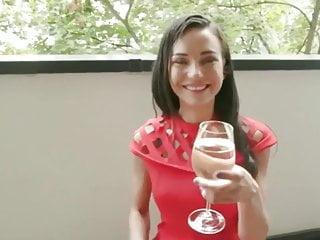 Asian girls drinking pee - Drinking pee passion