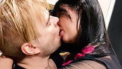 Alex Angel - Get Love (całowanie show)