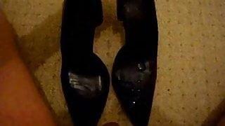 cummin in girlfriend work heels