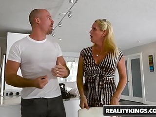 Reality kings sex in the club - Reality kings - sneaky sex - sneaky dining - lily rader sean