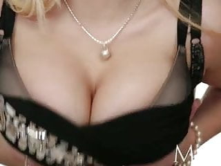 Breast ligaments - Mom single mom loves filming her big breasts getting covered