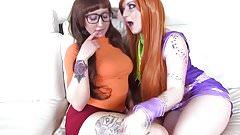 Scooby Doo Lesbian Cosplay