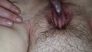 Chubby bbw gets fucked and squirts on dick – very messy