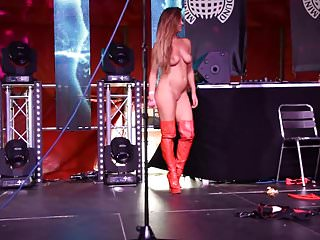 Big tits stripper fingering Strippers on stage
