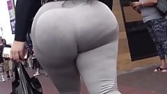 bubble booty Latina juicy ass bouncing in grey sweatpants