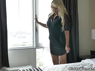 Curtain pussy - Canadian milf bianca masturbates with curtains wide open