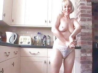 Mature tube milf pissing - Hot milf pissing on floor