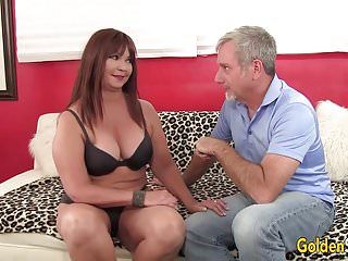 Hoochie coo pussy Mature hoochie isabelle love is banged by a goateed guy