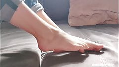 GIRL SHOWS ELEGANT SMALL FEET FOOT FETISH