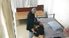 Mamma asiatica prostituta per il nonno