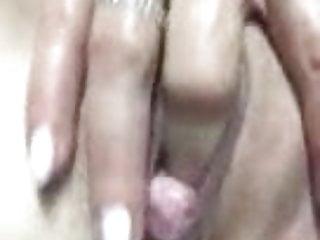 Skinny huge cunt - Still fingering her huge cunt