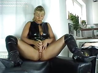 Slut in black boots - Dirty talk in black boots