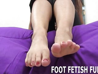 You tuge guide to eating pussy You will follow my guide to feet worshiping
