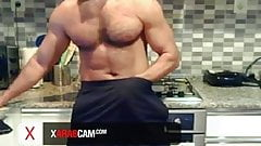 Dubai horny stud, gorgeous body, hot dick - Arab Gay