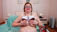 Mature webcam strip