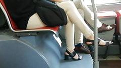 Pies sinceros # 38 - los talones en el autobús dan la vuelta (tiro de cara)