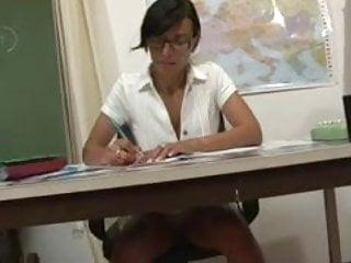 Latex for math La prof de math se fait baisee dans sa classe
