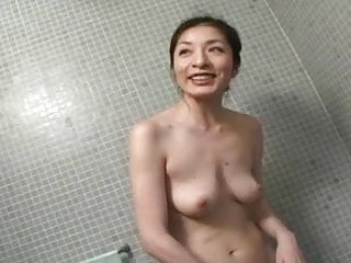 Blow free giving job mature thumbnail woman - Japanese milf giving a blow job in the shower