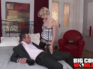 Donna leuz stripper - Facoltosa e bellissima donna ricca sfondata... in culo