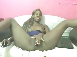 Dark cunt - Dark-skinned colombian is playing with her cunt asshole