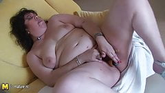 Mature BBW Tere loves showing you her stuff