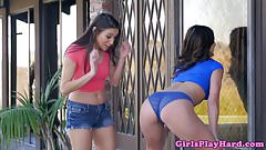 Twerking Leah Gotti gets juicy pussy eaten