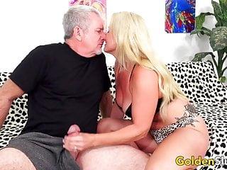 Mature blonde handjobs - Mature blonde taylor leigh gets pummeled