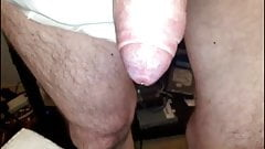 Tight foreskin pulled. Enge Vorhaut zurueckgezogen