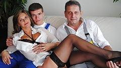 vicieuse Amandine baise avec un jeune et un vieux