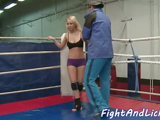 Opponent sex Wrestling les beauty fisted by her opponent