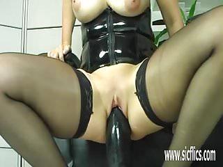 Dildo fucking sluts Gigantic dildo fucking mature amateur slut