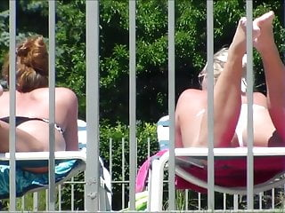 Courteney coxs major bikini slip-up 2 of 3 candid bikini butt tits pussy slip tanning pool side