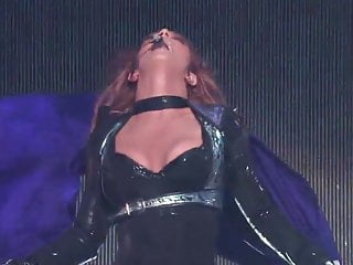 Britney spears porn video online Britney spears very hot on stage